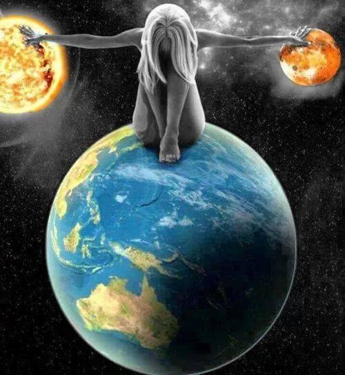 Ciò che tiene insieme il mondo e attenua i contrasti